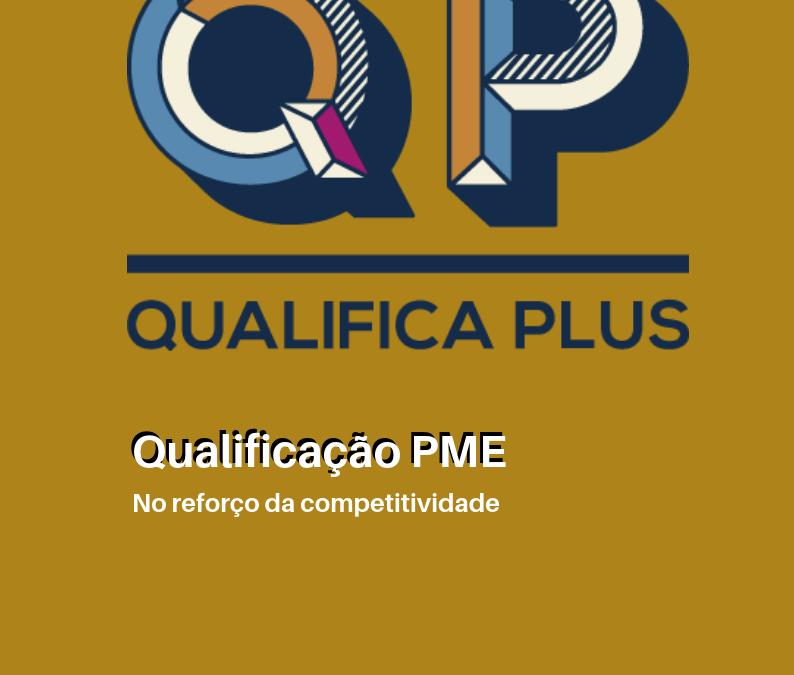 Revista 'Qualifica Plus' publicada em 2019 pela AECOA